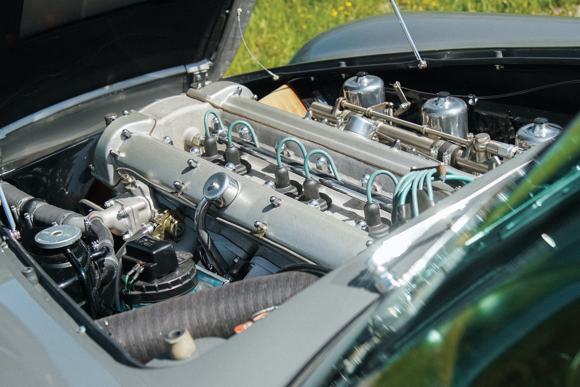 1965-Aston-Martin-DB5-Shooting-Brake-by-Radford_24