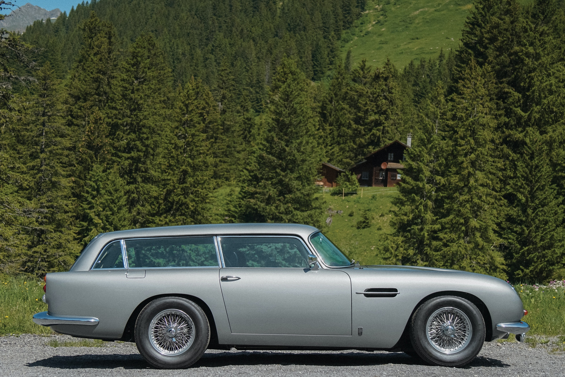 1965-Aston-Martin-DB5-Shooting-Brake-by-Radford_4