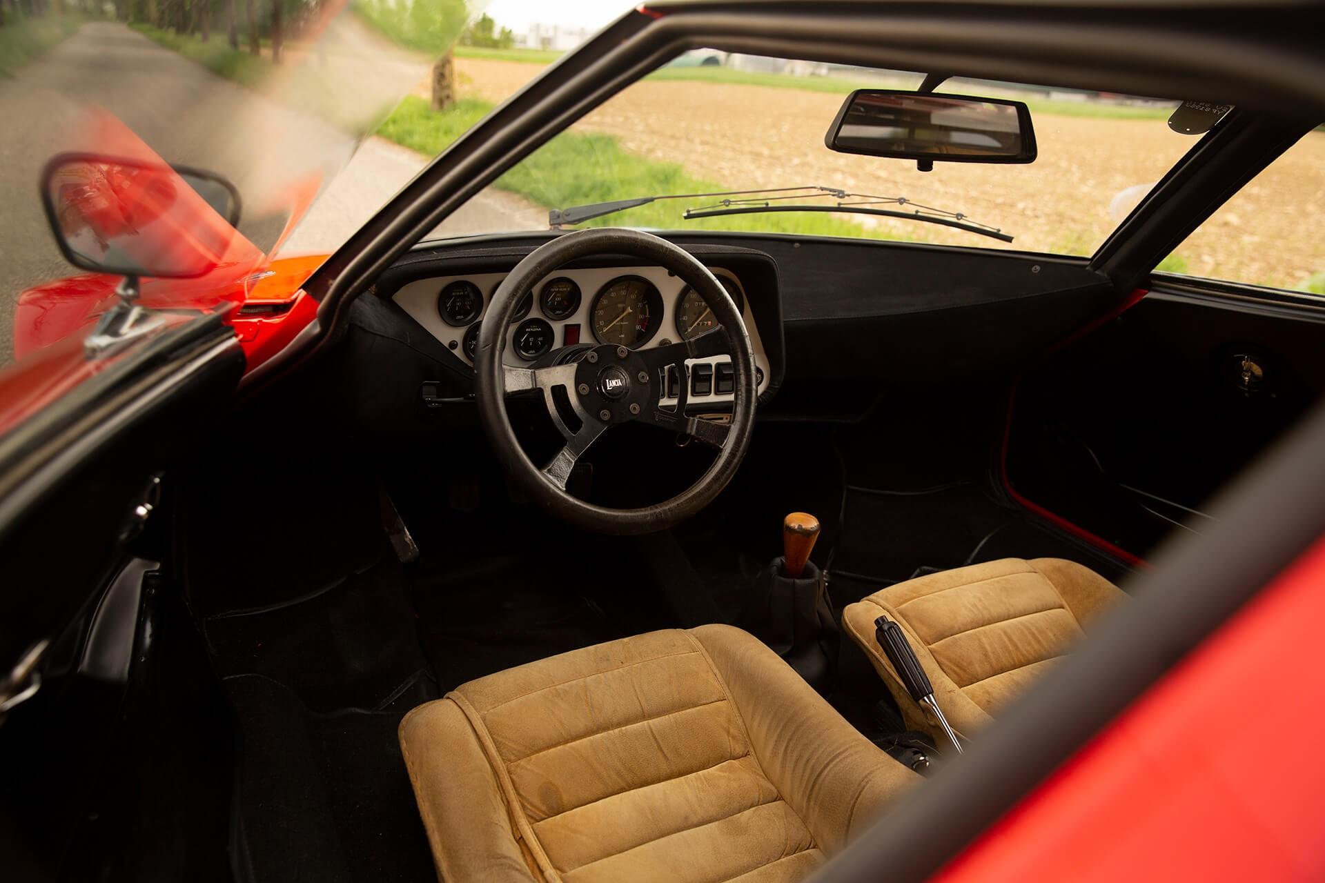 1977_Lancia_Stratos_HF_Stradale_0002