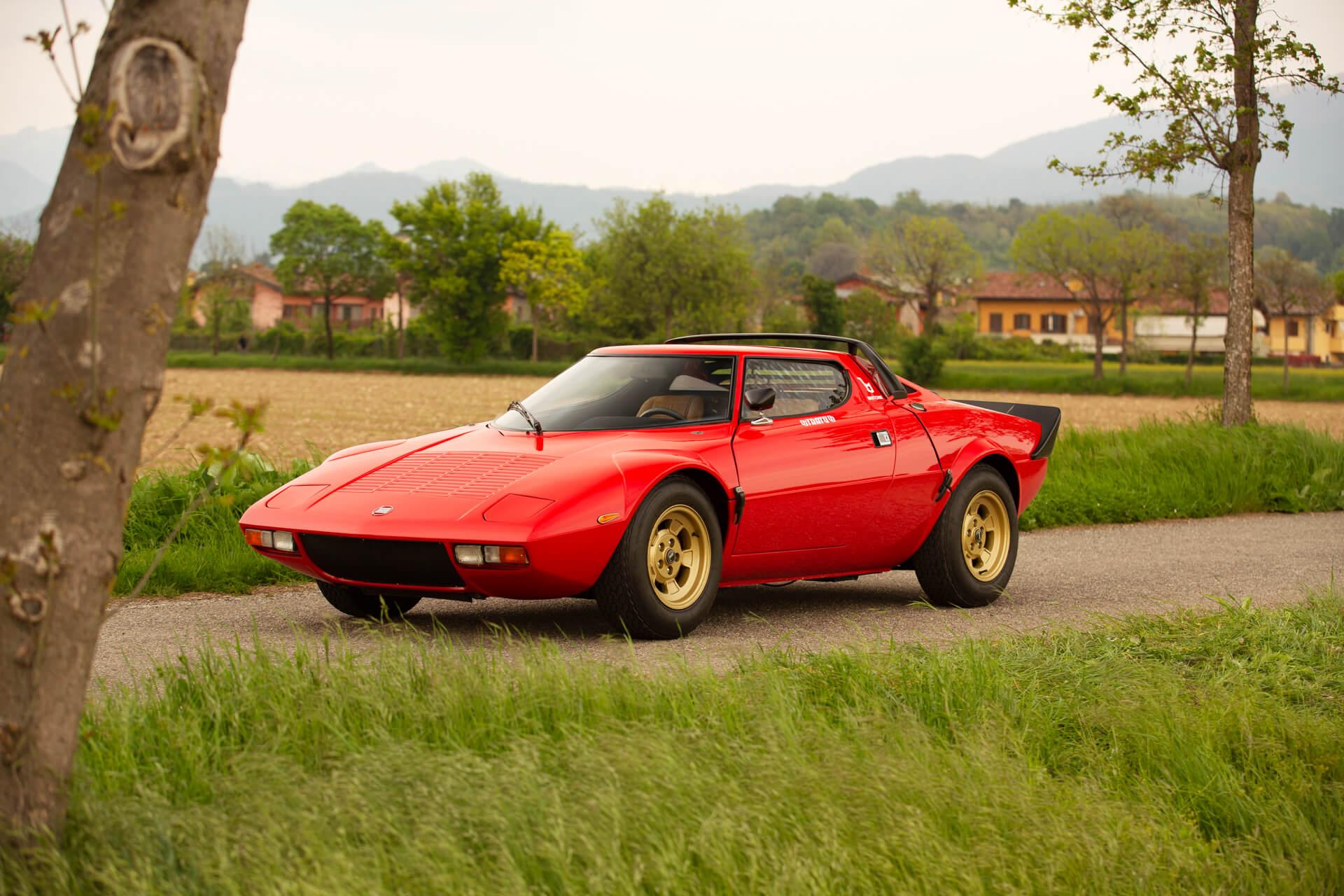 1977_Lancia_Stratos_HF_Stradale_0003