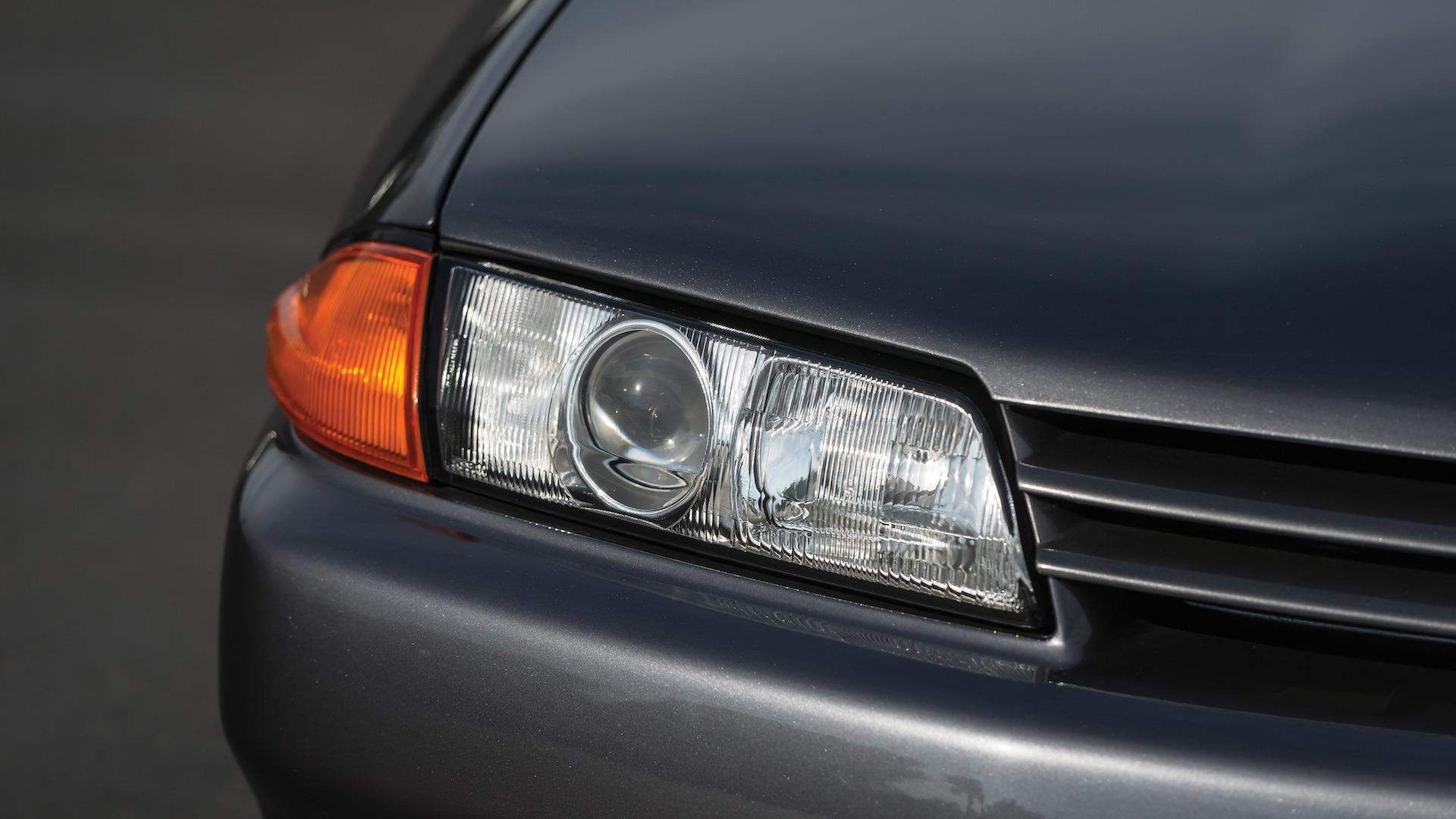 1989_Nissan_Skylline_GT-R_R32_Auction_05