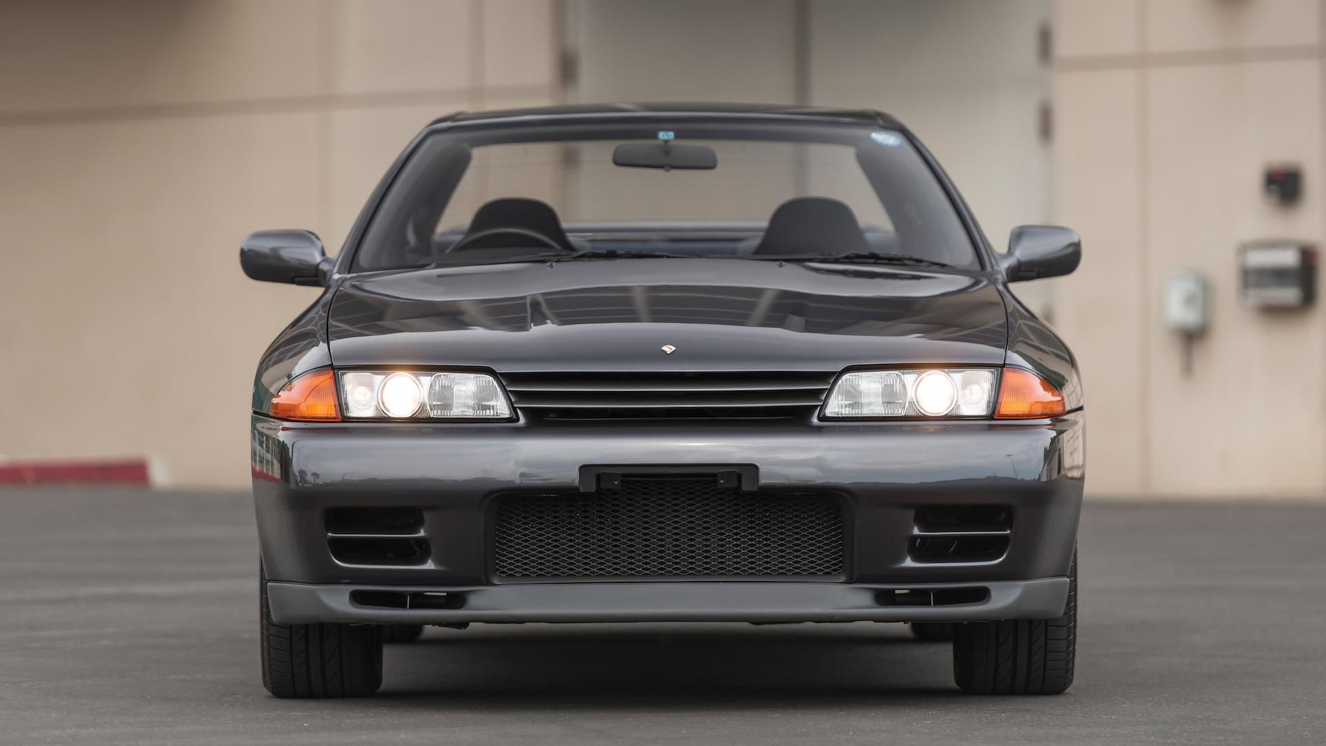 1989_Nissan_Skylline_GT-R_R32_Auction_10