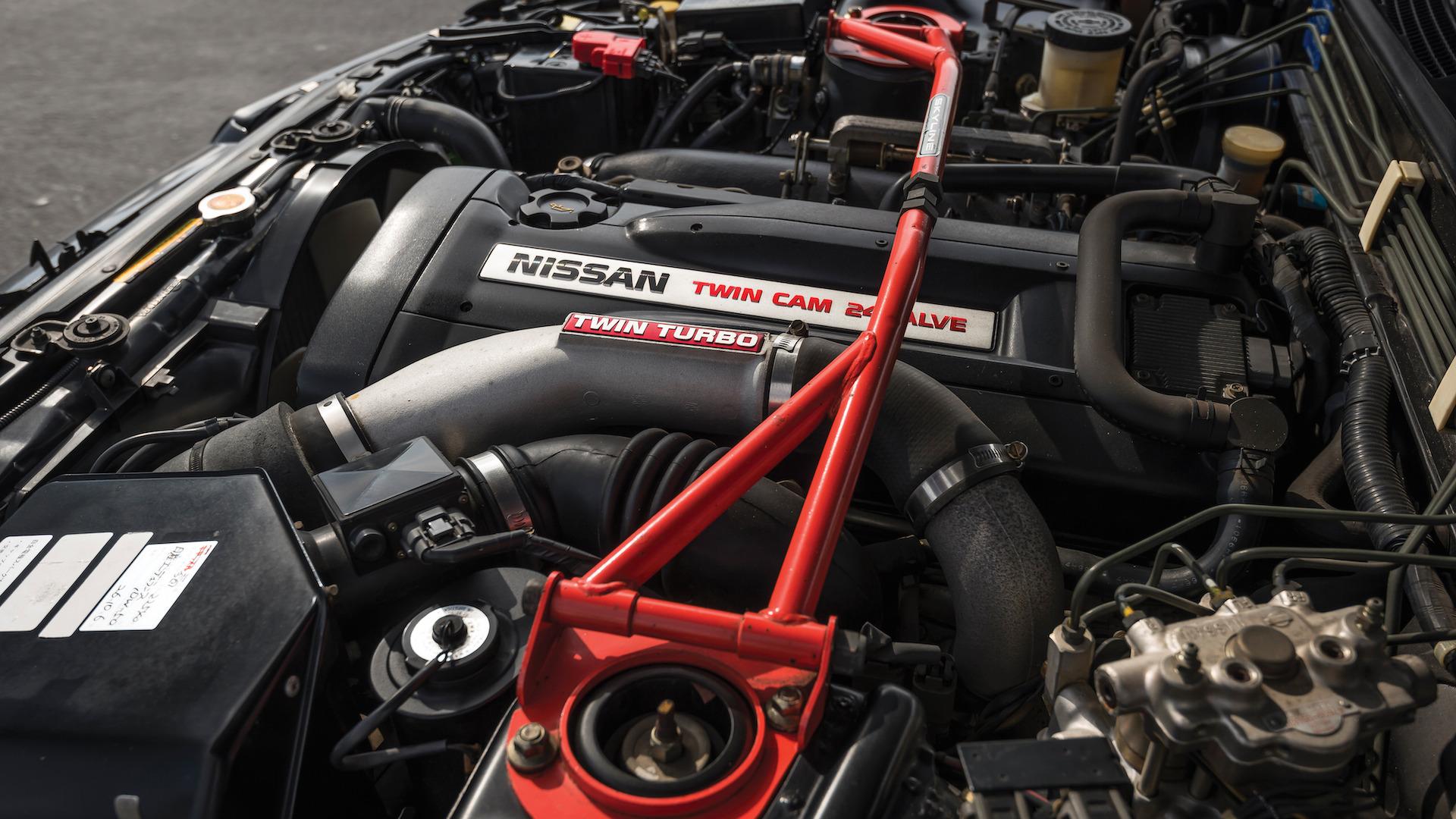 1989_Nissan_Skylline_GT-R_R32_Auction_24