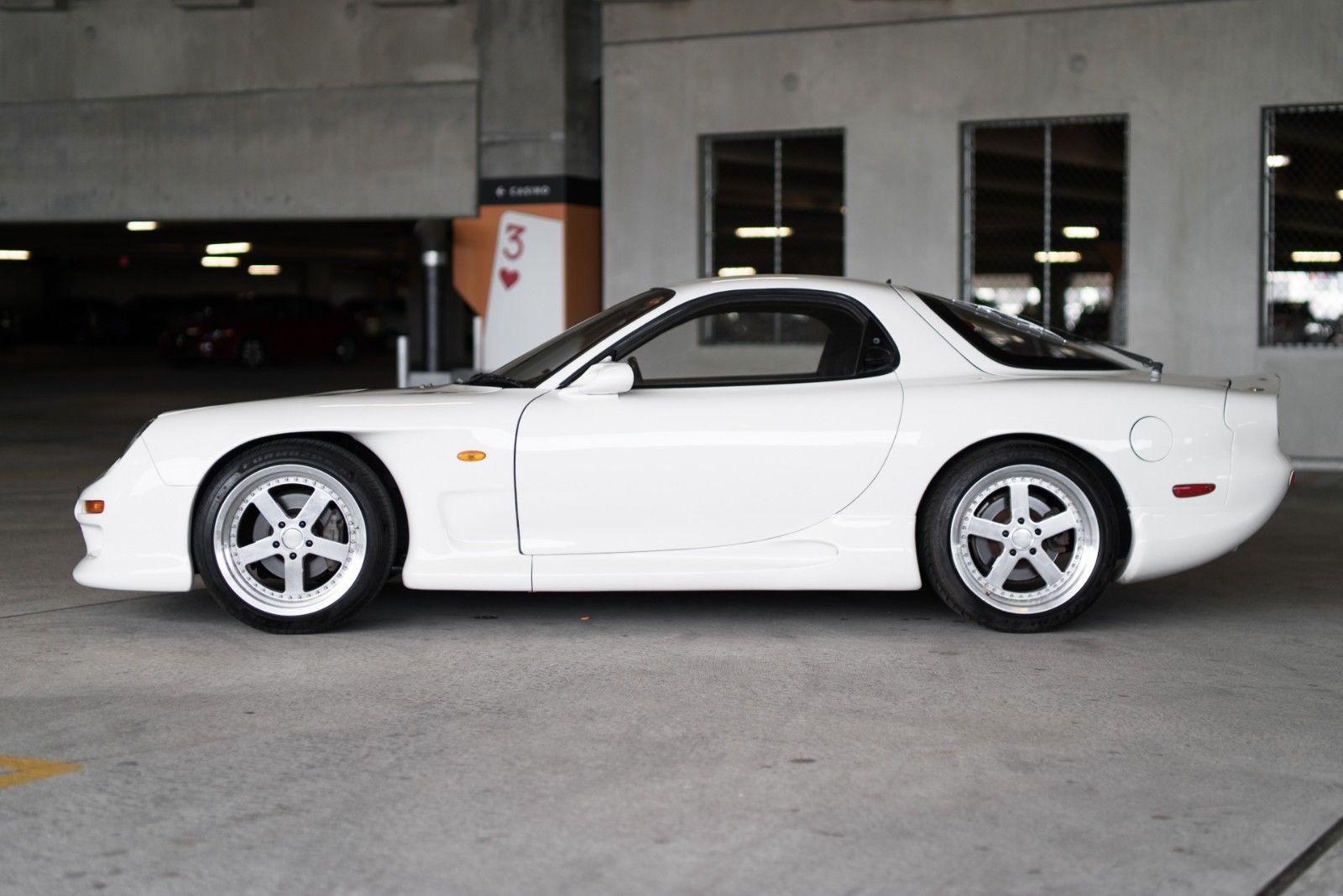 1992_Mazda_RX-7_ReAmemiya_0006