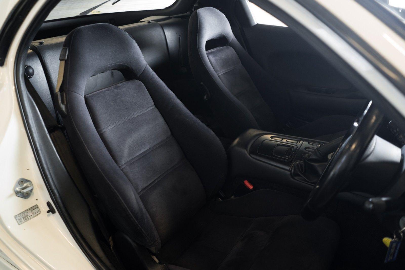 1992_Mazda_RX-7_ReAmemiya_0018