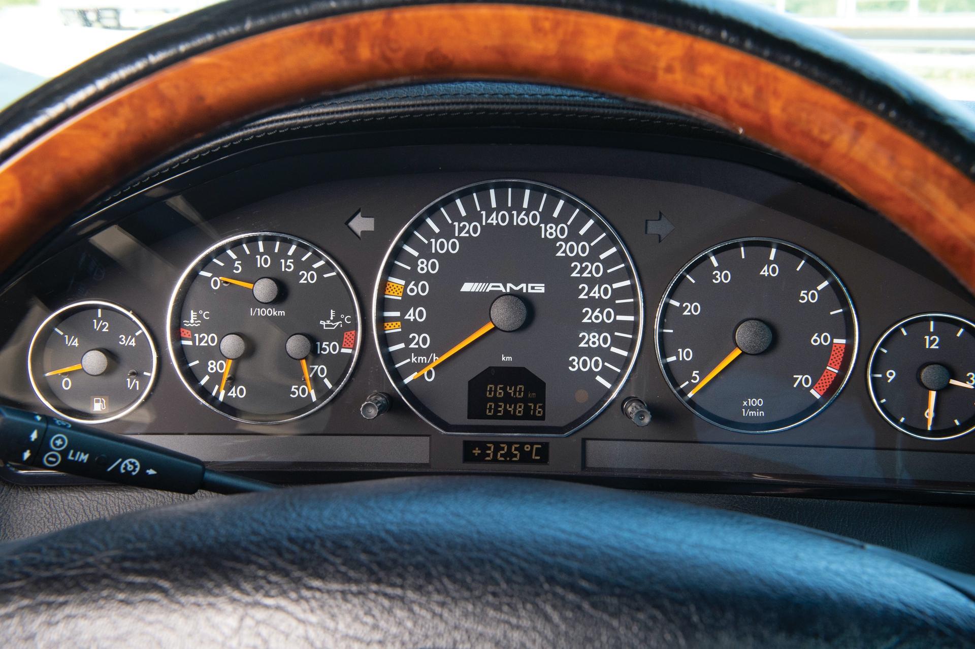 1999-Mercedes-Benz-SL-73-AMG-_10