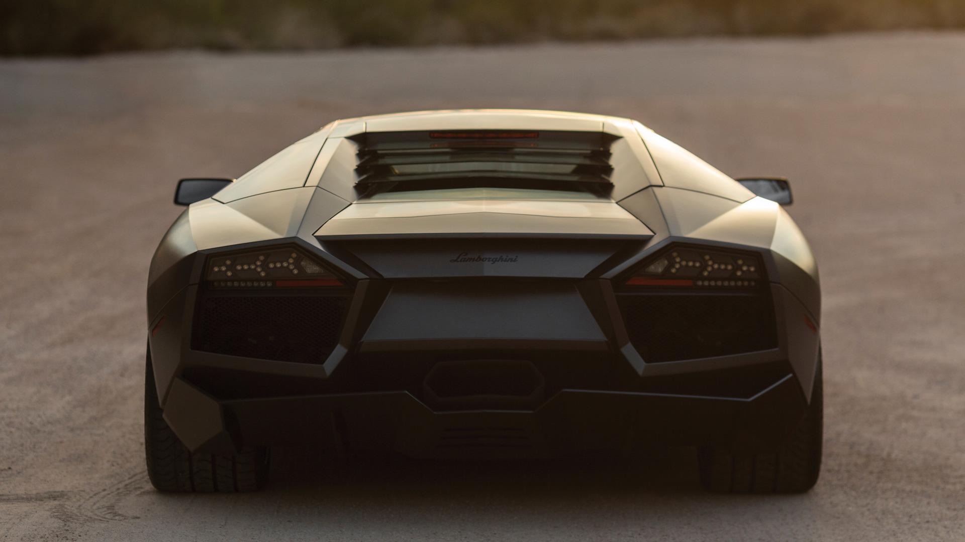 2007_Lamborghini_Reventon_Auction_04