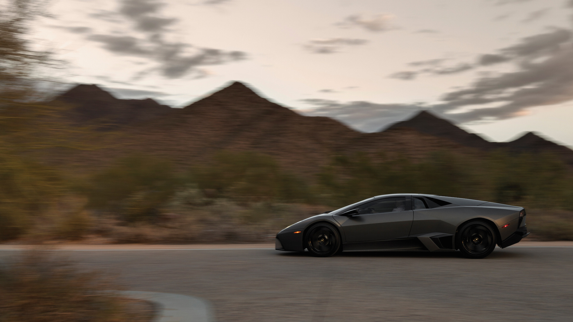 2007_Lamborghini_Reventon_Auction_08