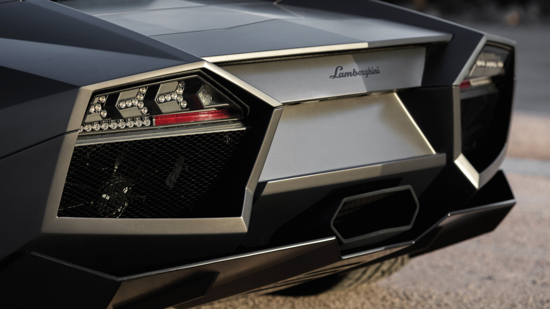 2007_Lamborghini_Reventon_Auction_12