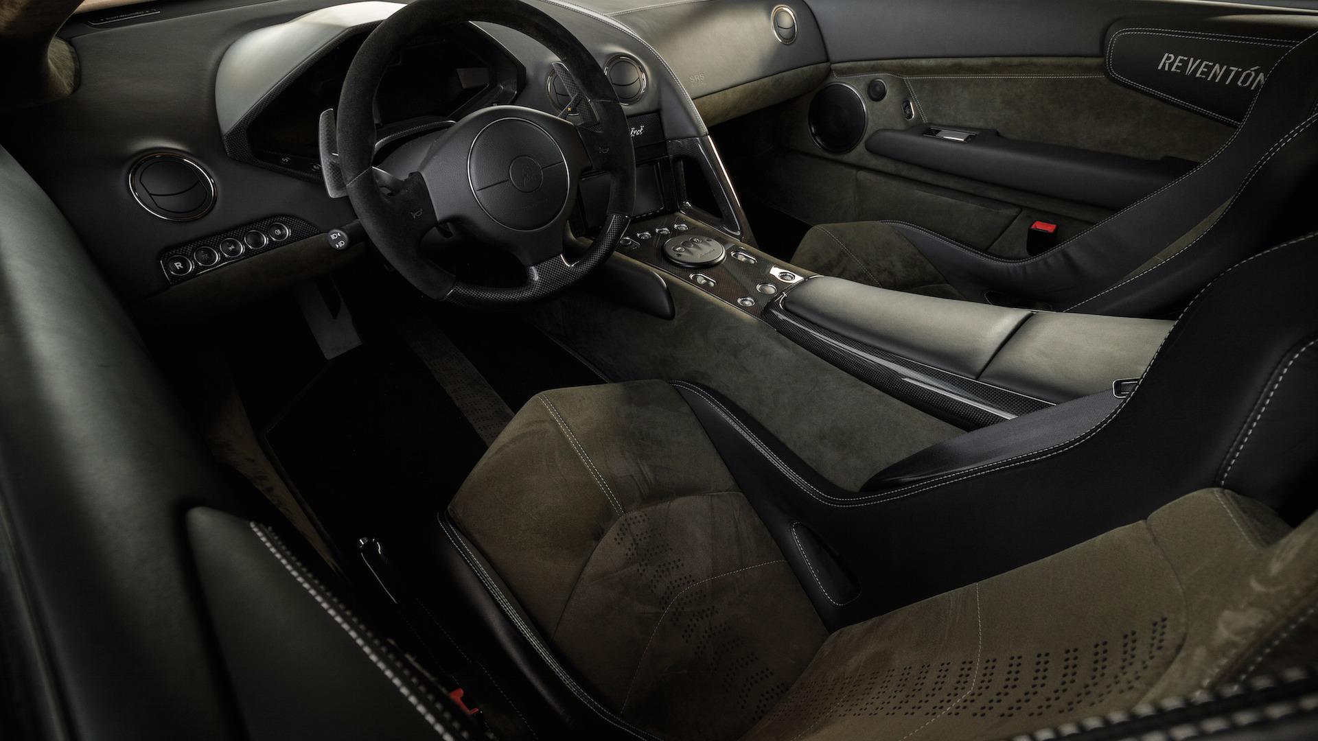 2007_Lamborghini_Reventon_Auction_16