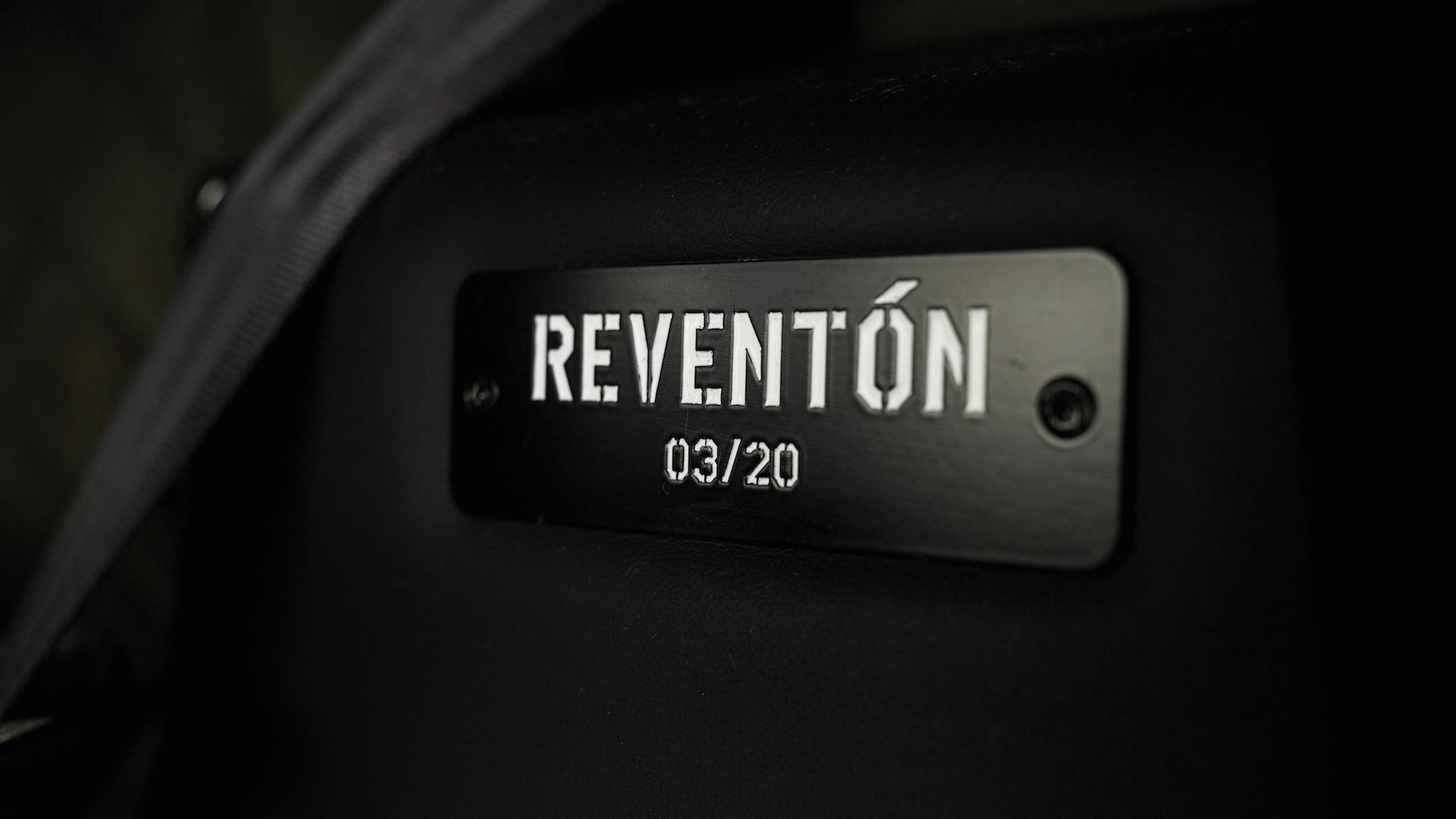 2007_Lamborghini_Reventon_Auction_17
