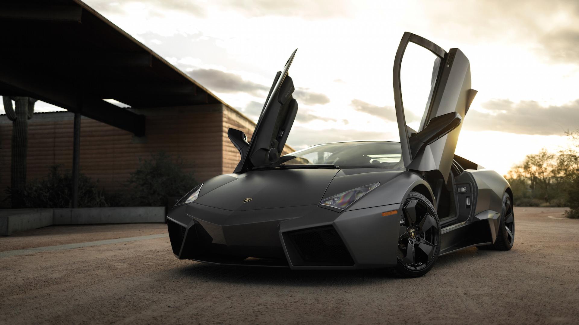 2007_Lamborghini_Reventon_Auction_26