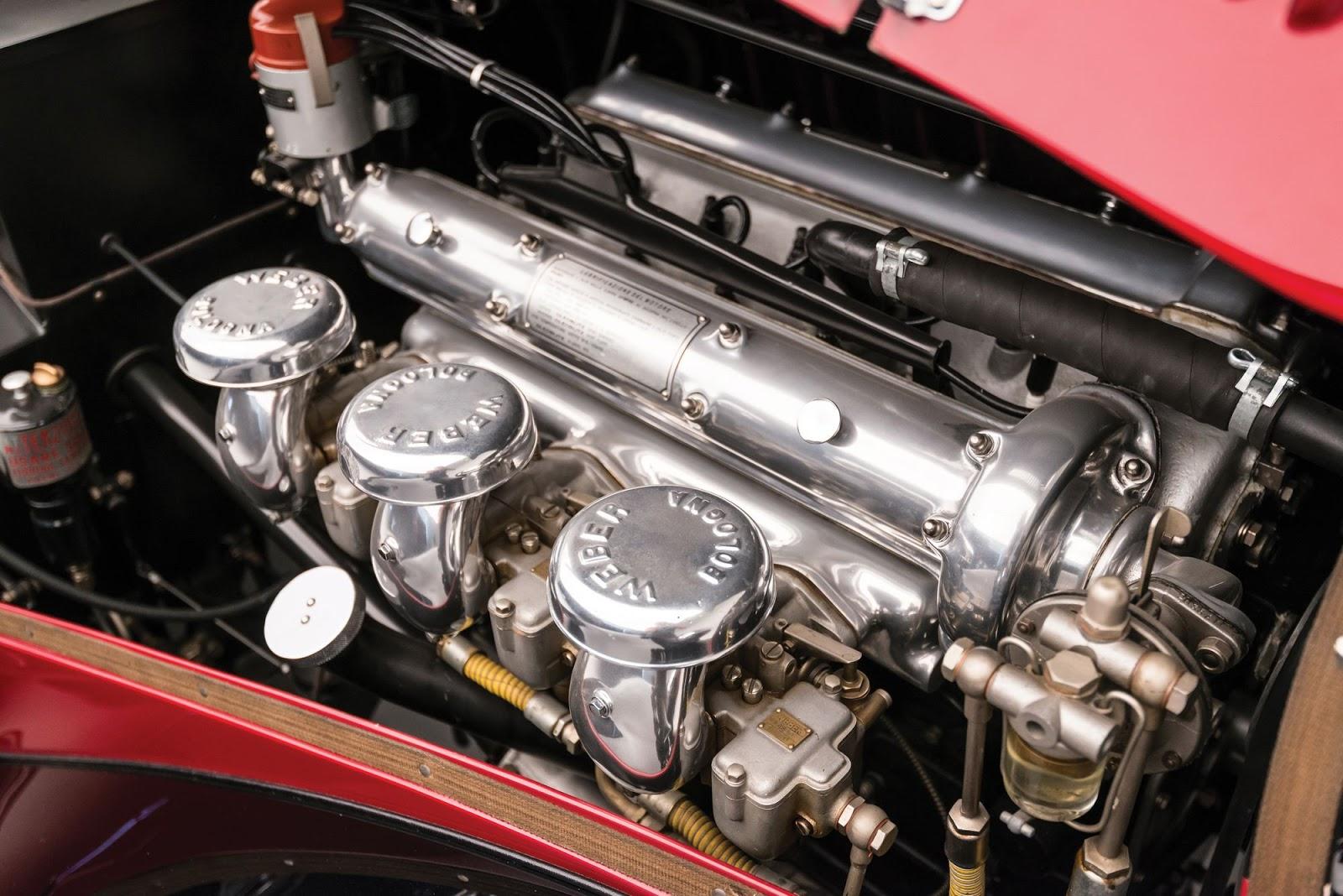 1942_Alfa_Romeo_6C_2500_SS_Spider_01