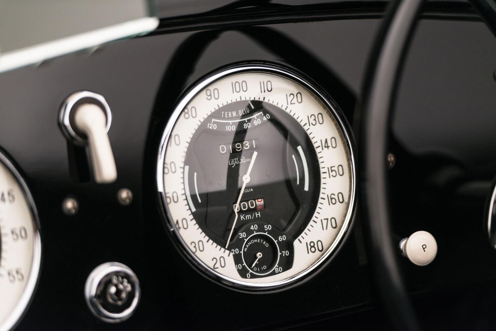 1942_Alfa_Romeo_6C_2500_SS_Spider_11