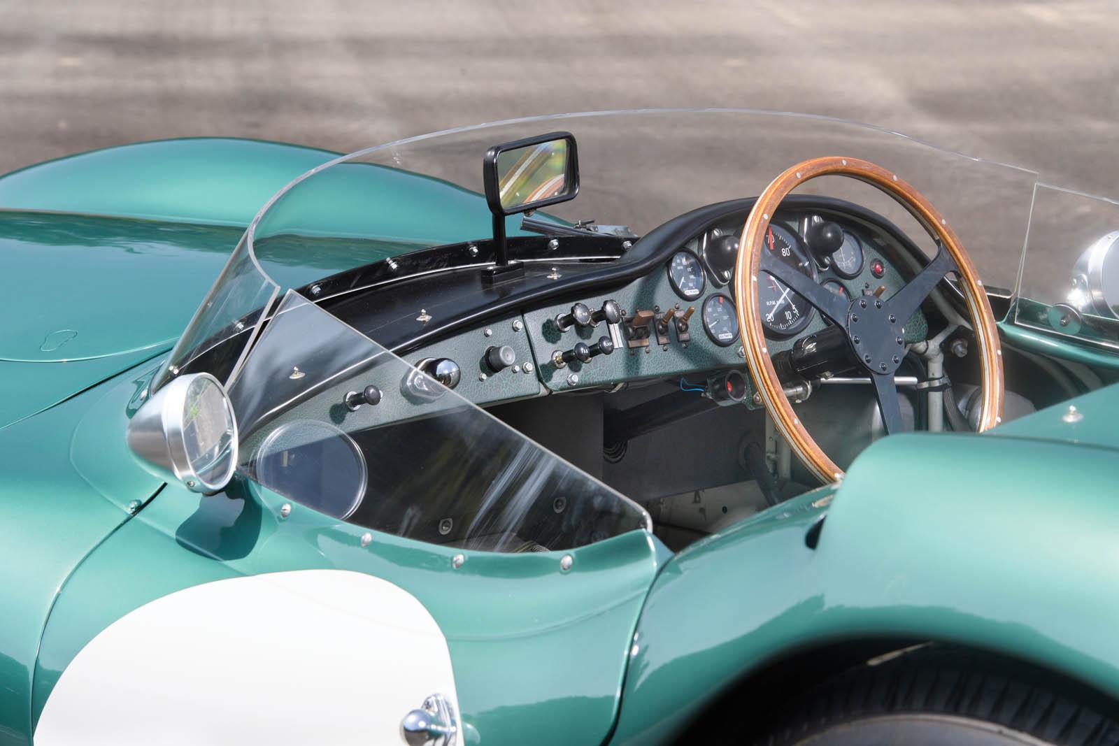 1956_Aston_Martin_DBR1_15