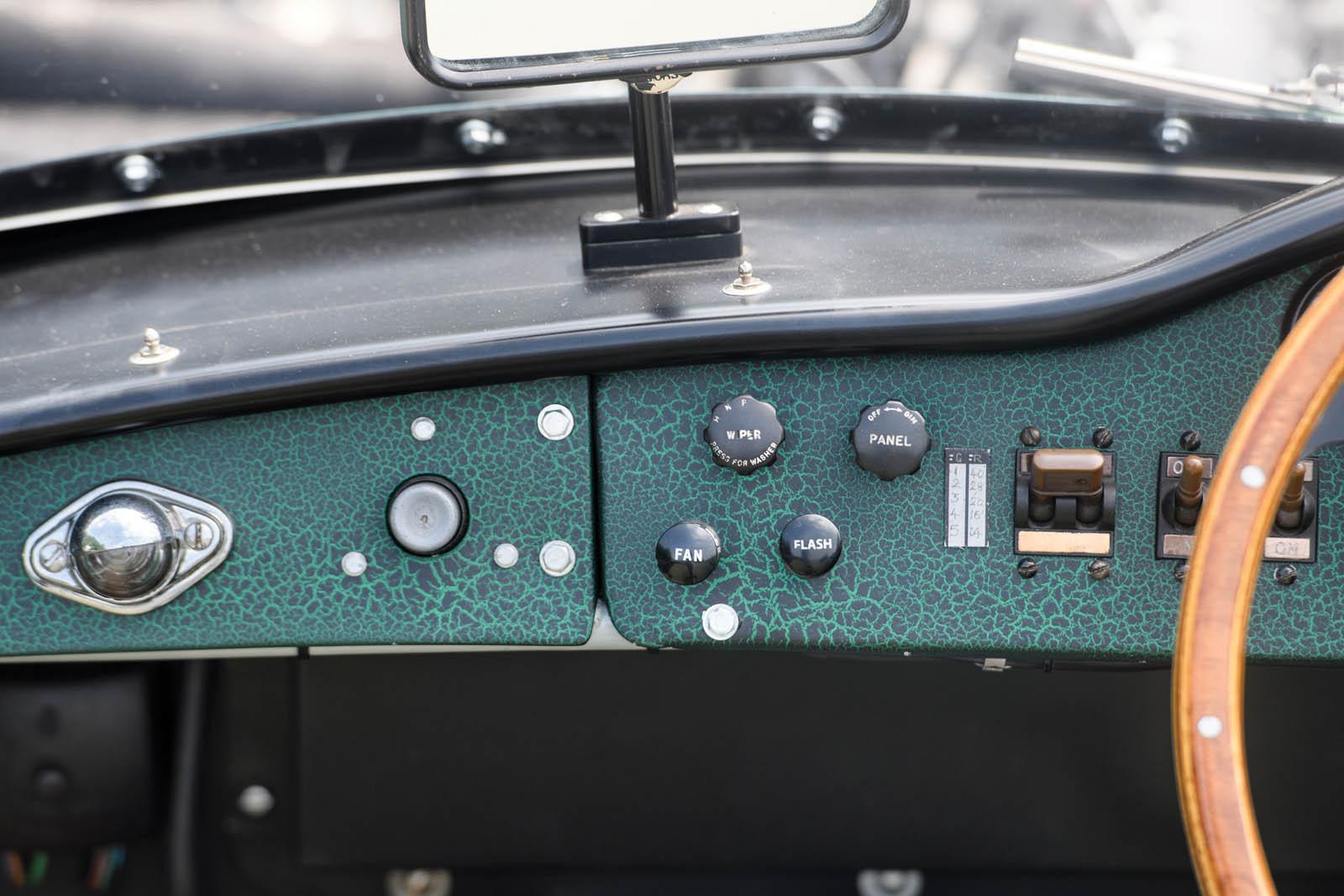 1956_Aston_Martin_DBR1_36