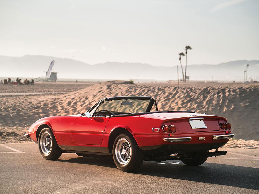 1972_Ferrari_365_GTB:4_Daytona_Spider_by_Scaglietti_02