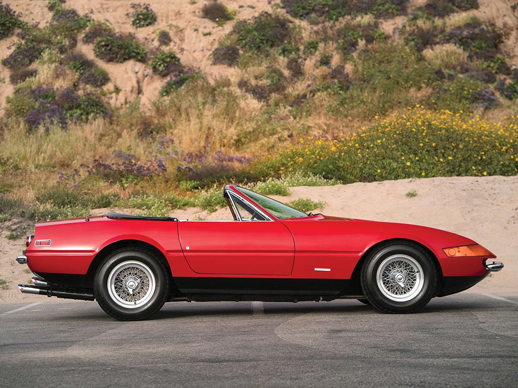 1972_Ferrari_365_GTB:4_Daytona_Spider_by_Scaglietti_05