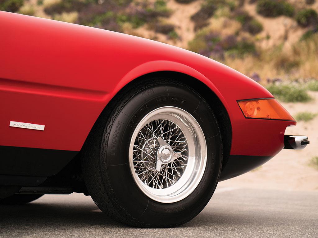 1972_Ferrari_365_GTB:4_Daytona_Spider_by_Scaglietti_06