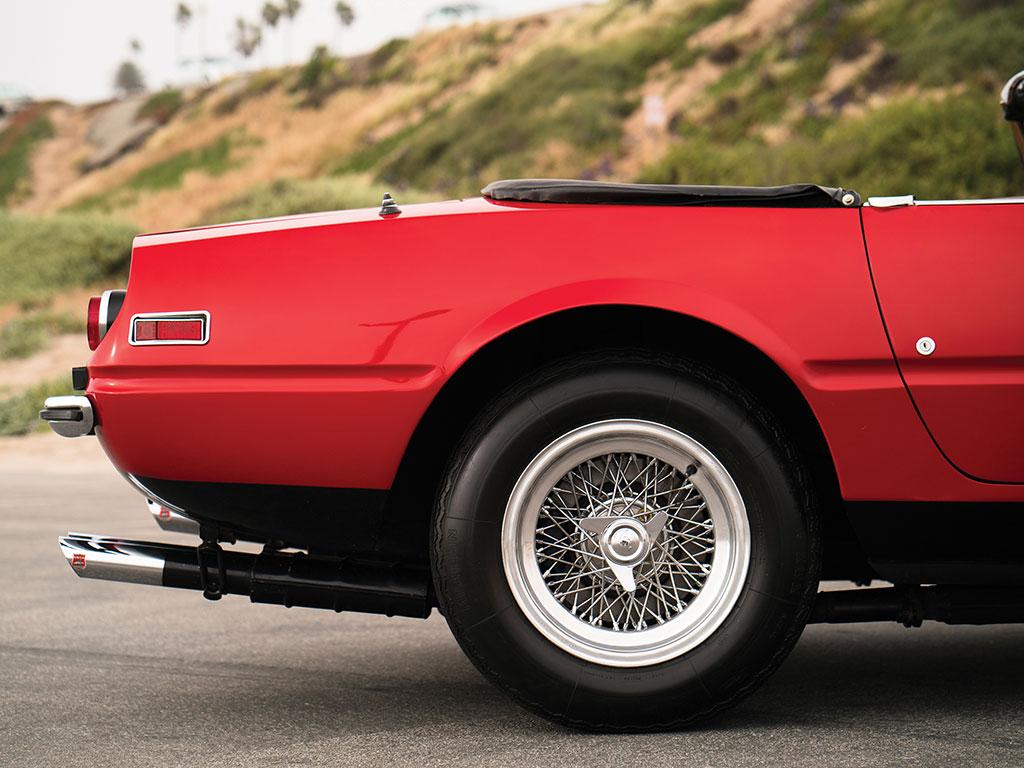 1972_Ferrari_365_GTB:4_Daytona_Spider_by_Scaglietti_07
