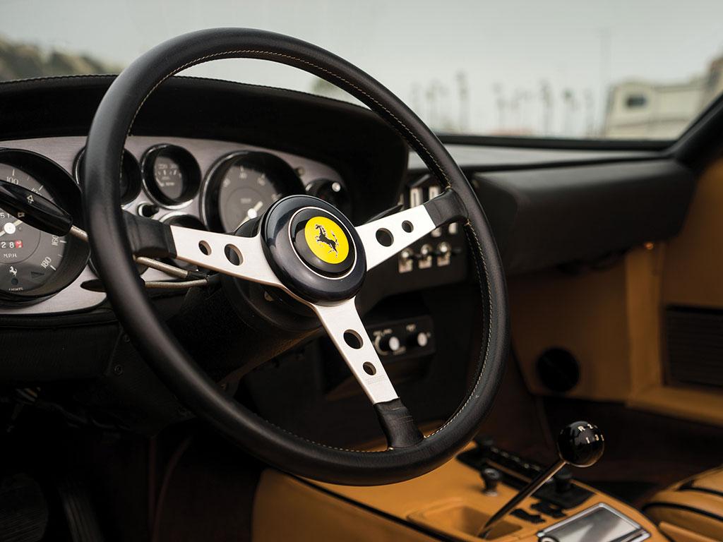 1972_Ferrari_365_GTB:4_Daytona_Spider_by_Scaglietti_11