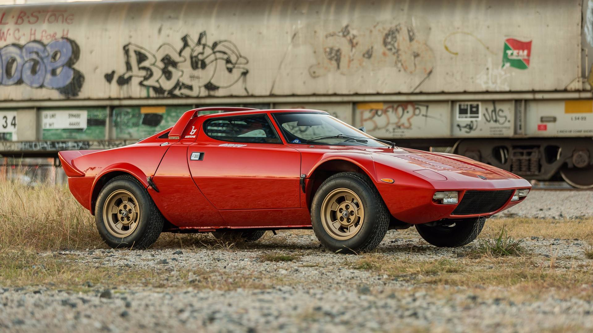 1974_Lancia_Stratos_HF_Stradale_for_sale_0001