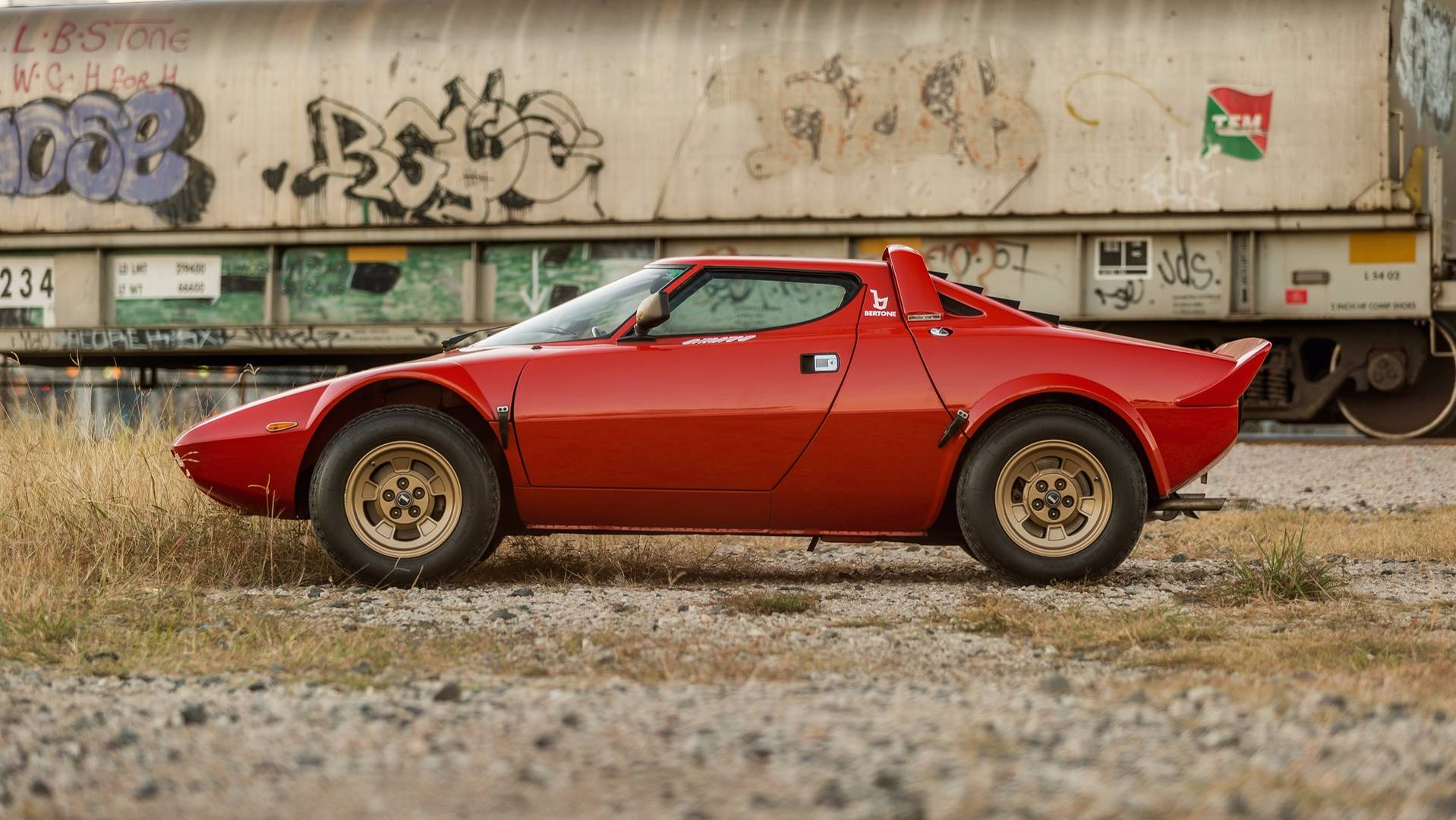 1974_Lancia_Stratos_HF_Stradale_for_sale_0002