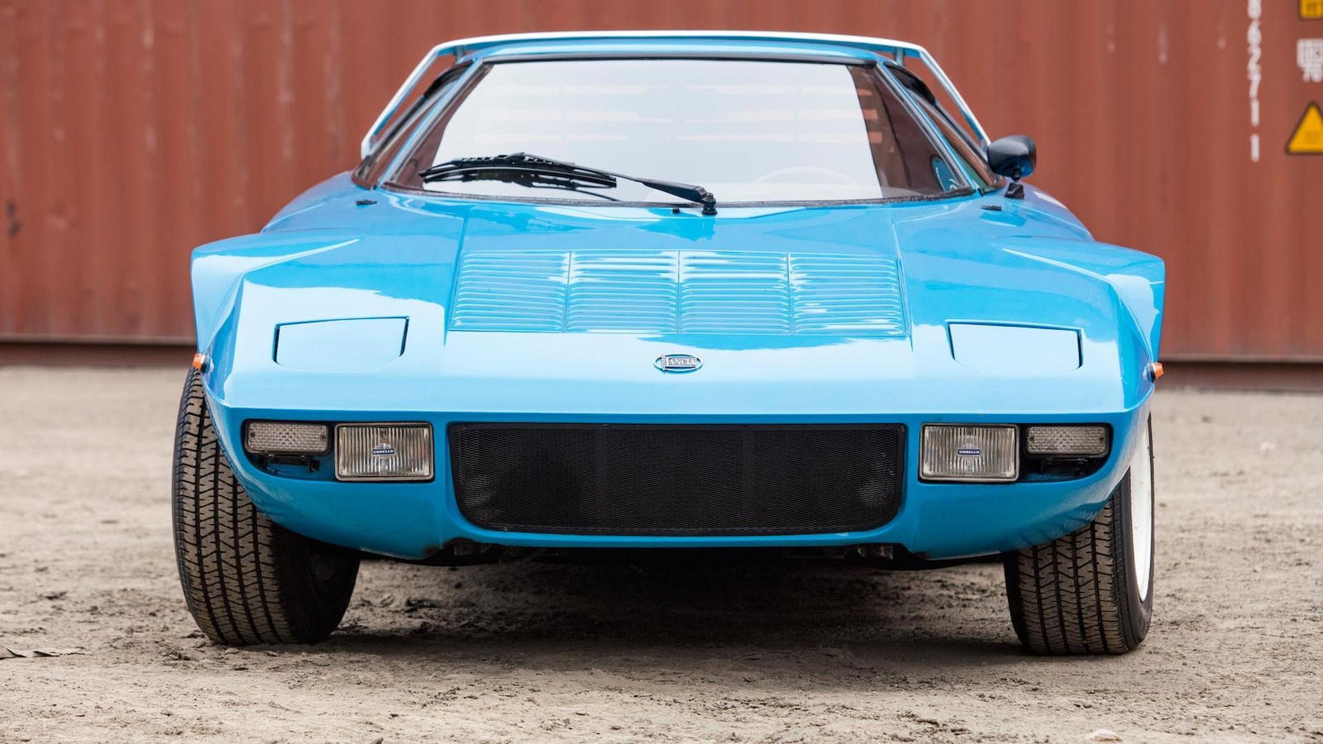 1975_Lancia_Stratos_HF_Stradale_01