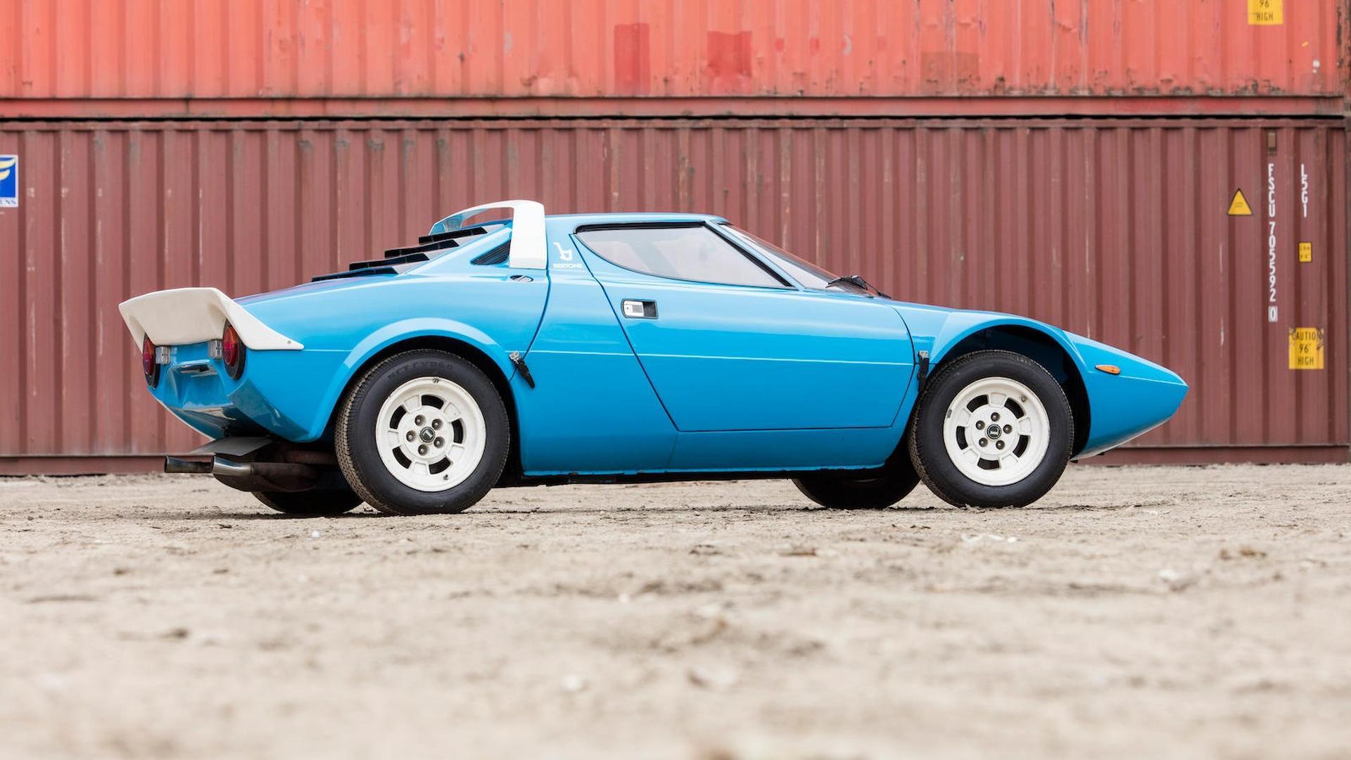 1975_Lancia_Stratos_HF_Stradale_12