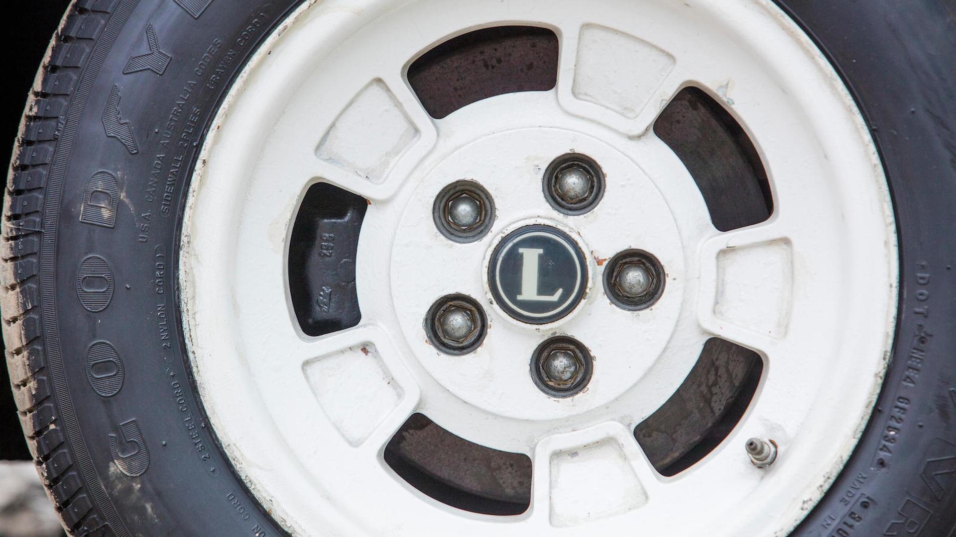 1975_Lancia_Stratos_HF_Stradale_39