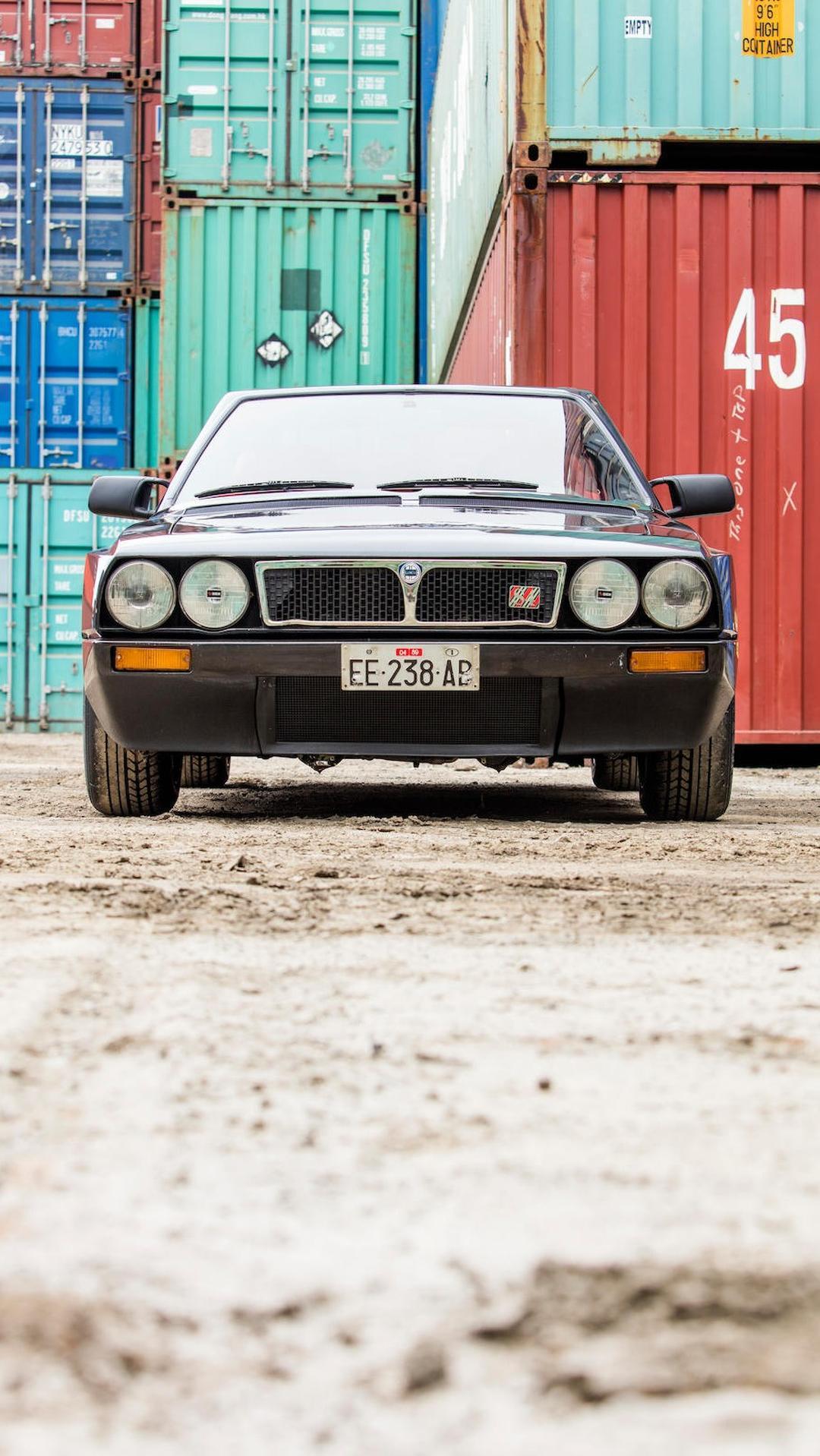 1985_Lancia_Delta_S4_Stradale_06