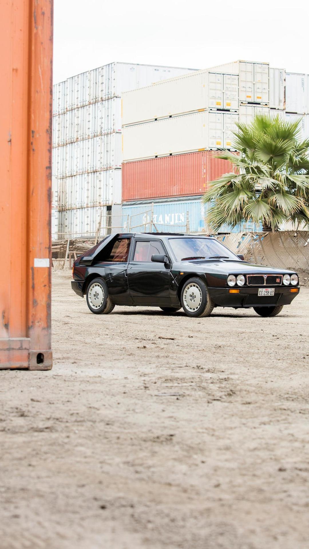 1985_Lancia_Delta_S4_Stradale_07