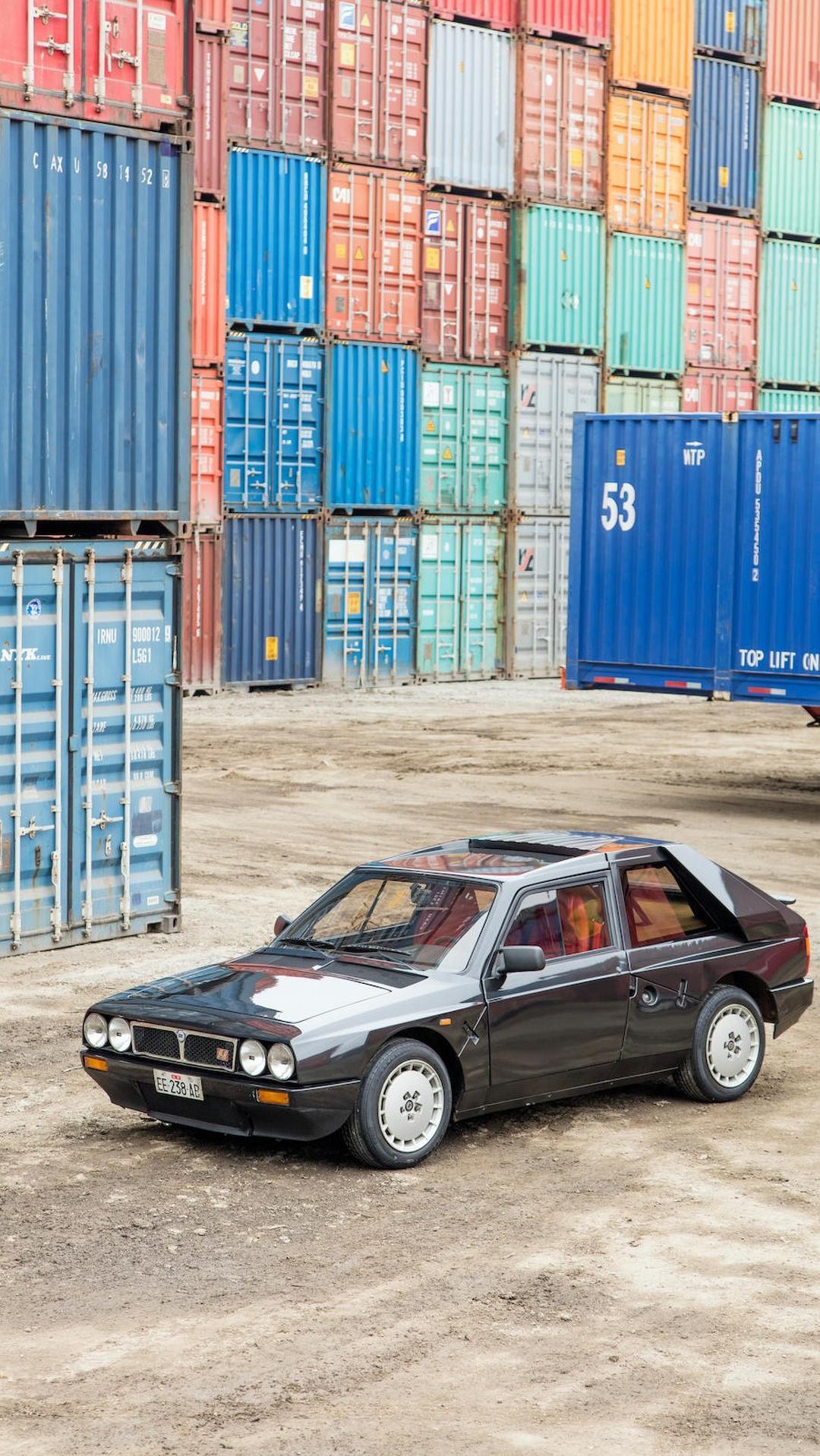 1985_Lancia_Delta_S4_Stradale_09