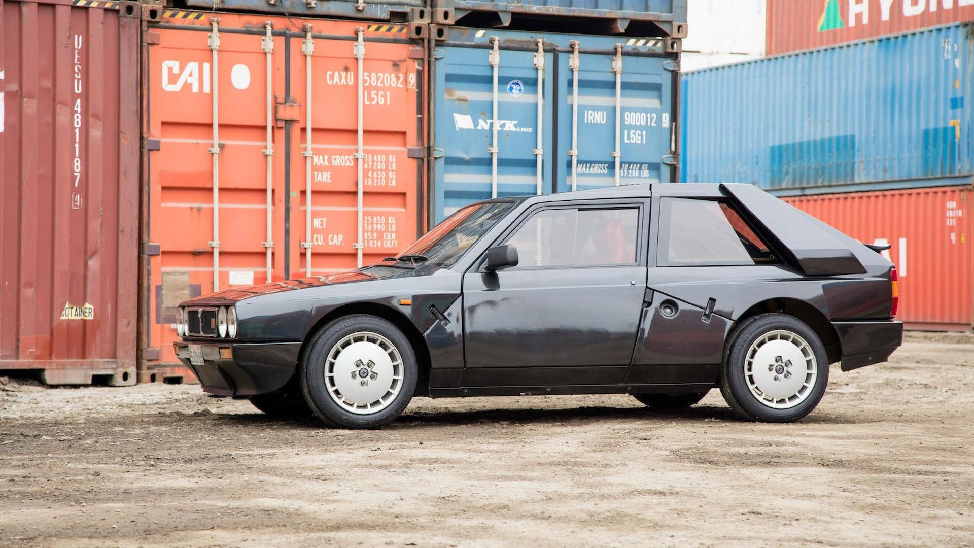 1985_Lancia_Delta_S4_Stradale_11