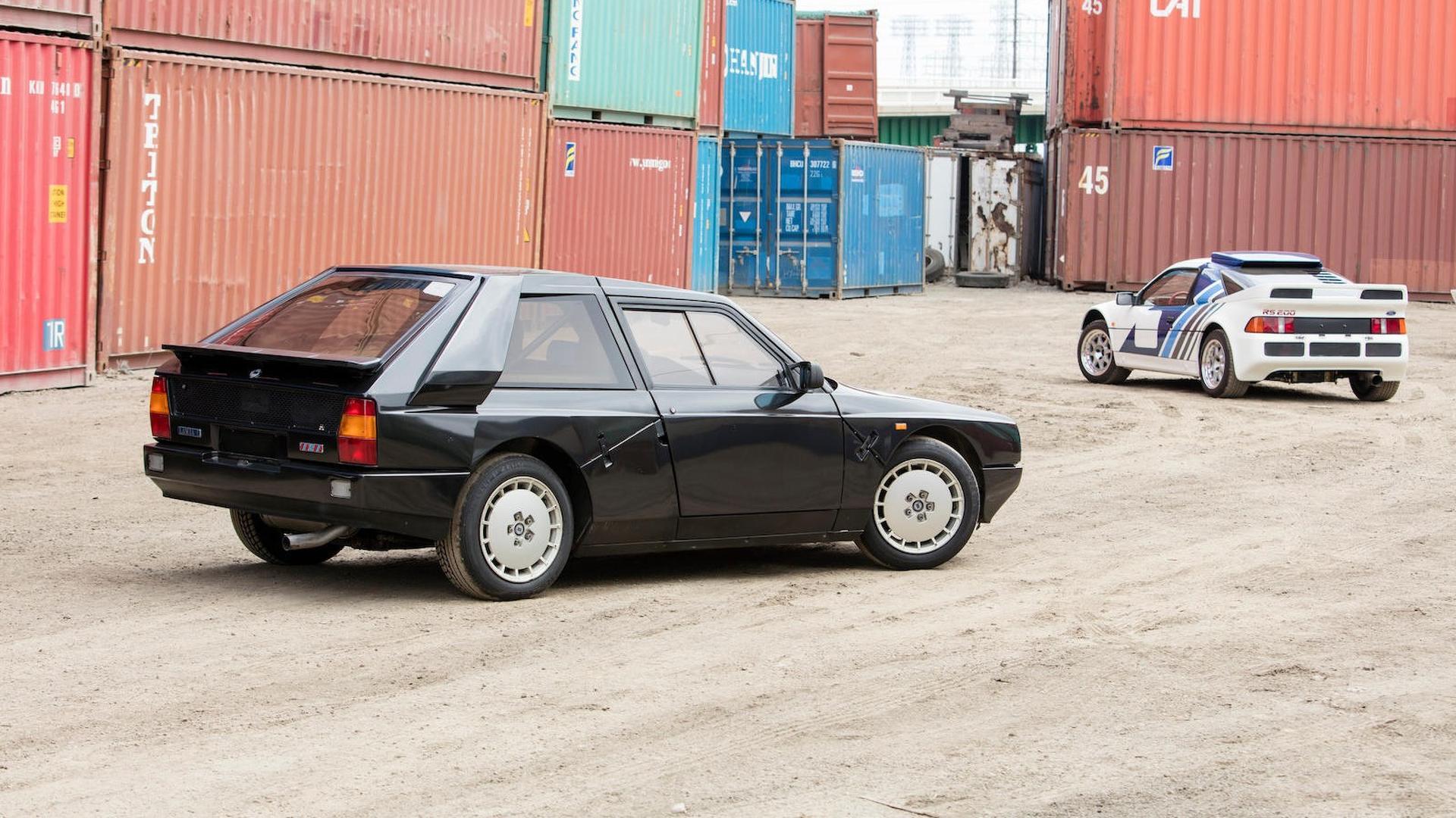 1985_Lancia_Delta_S4_Stradale_16