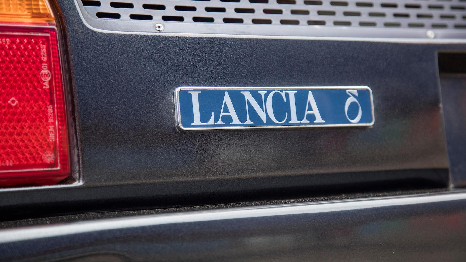 1985_Lancia_Delta_S4_Stradale_20
