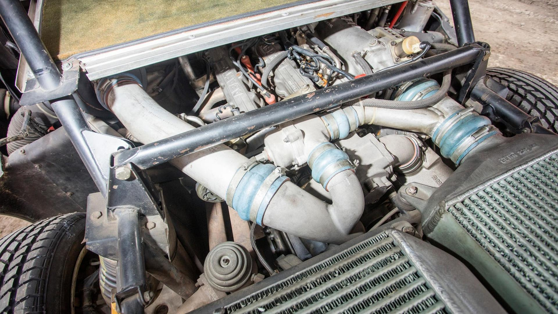 1985_Lancia_Delta_S4_Stradale_26
