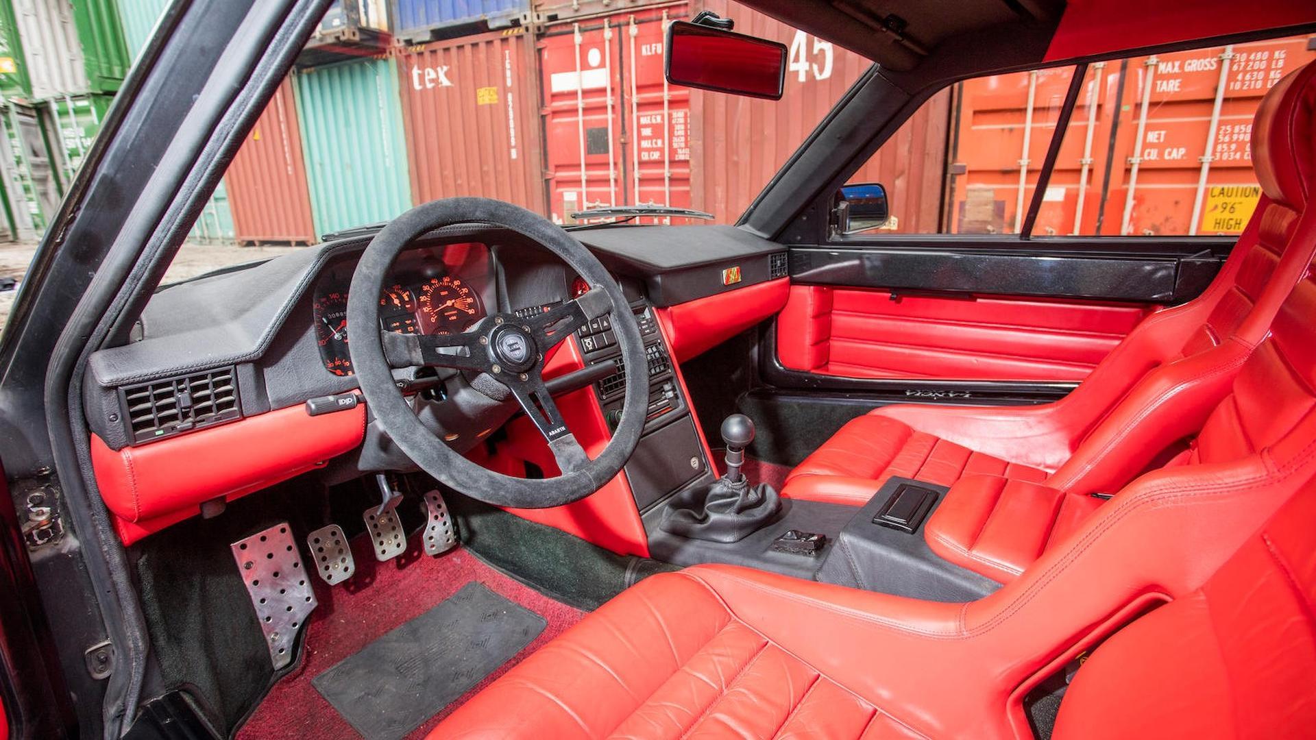 1985_Lancia_Delta_S4_Stradale_35