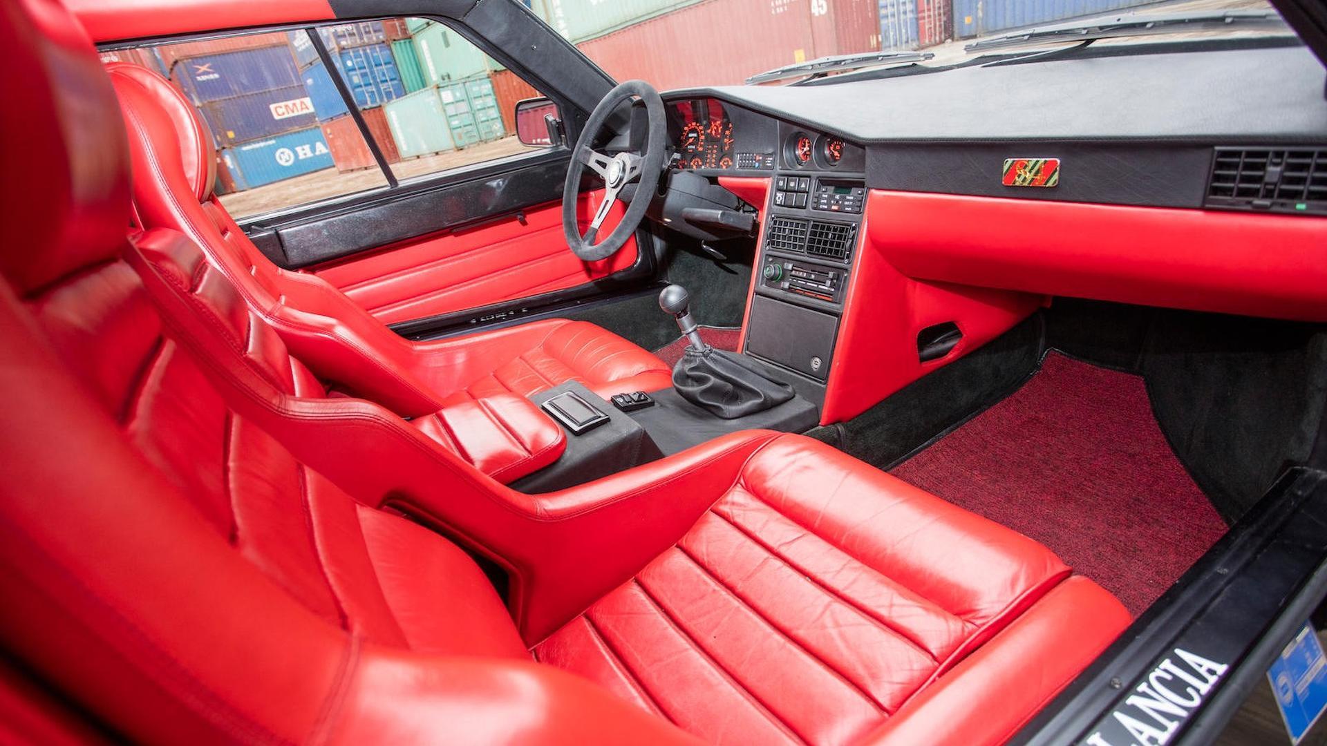 1985_Lancia_Delta_S4_Stradale_36