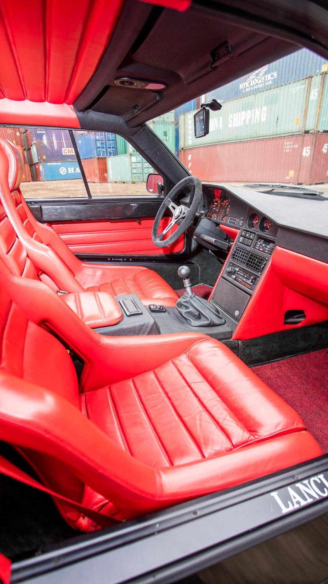 1985_Lancia_Delta_S4_Stradale_39