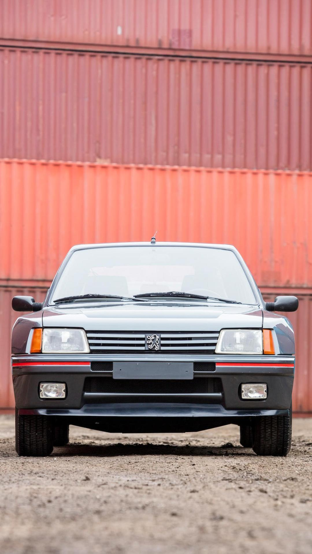 1985_Peugeot_205_Turbo_16_06