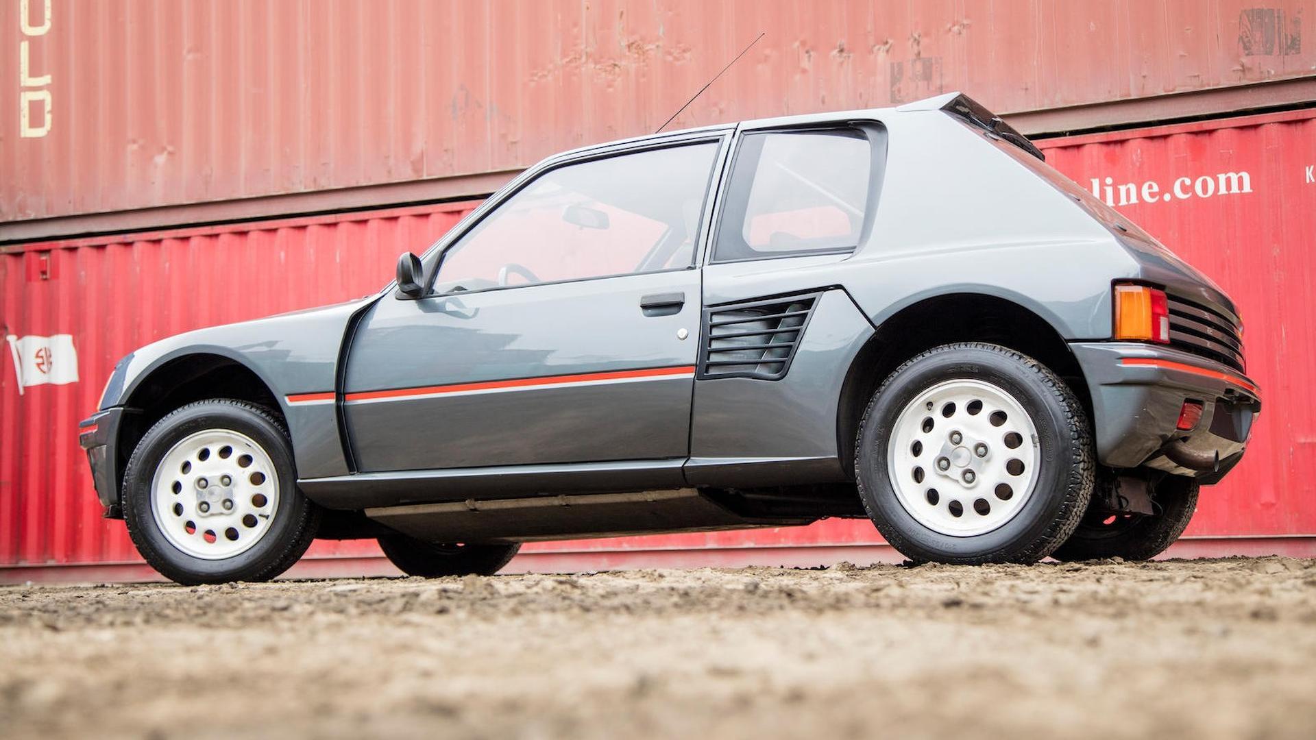 1985_Peugeot_205_Turbo_16_10