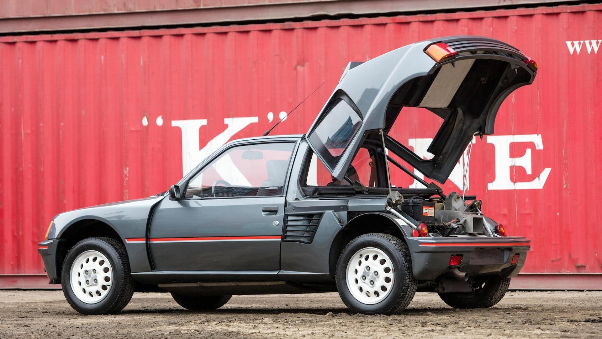 1985_Peugeot_205_Turbo_16_11