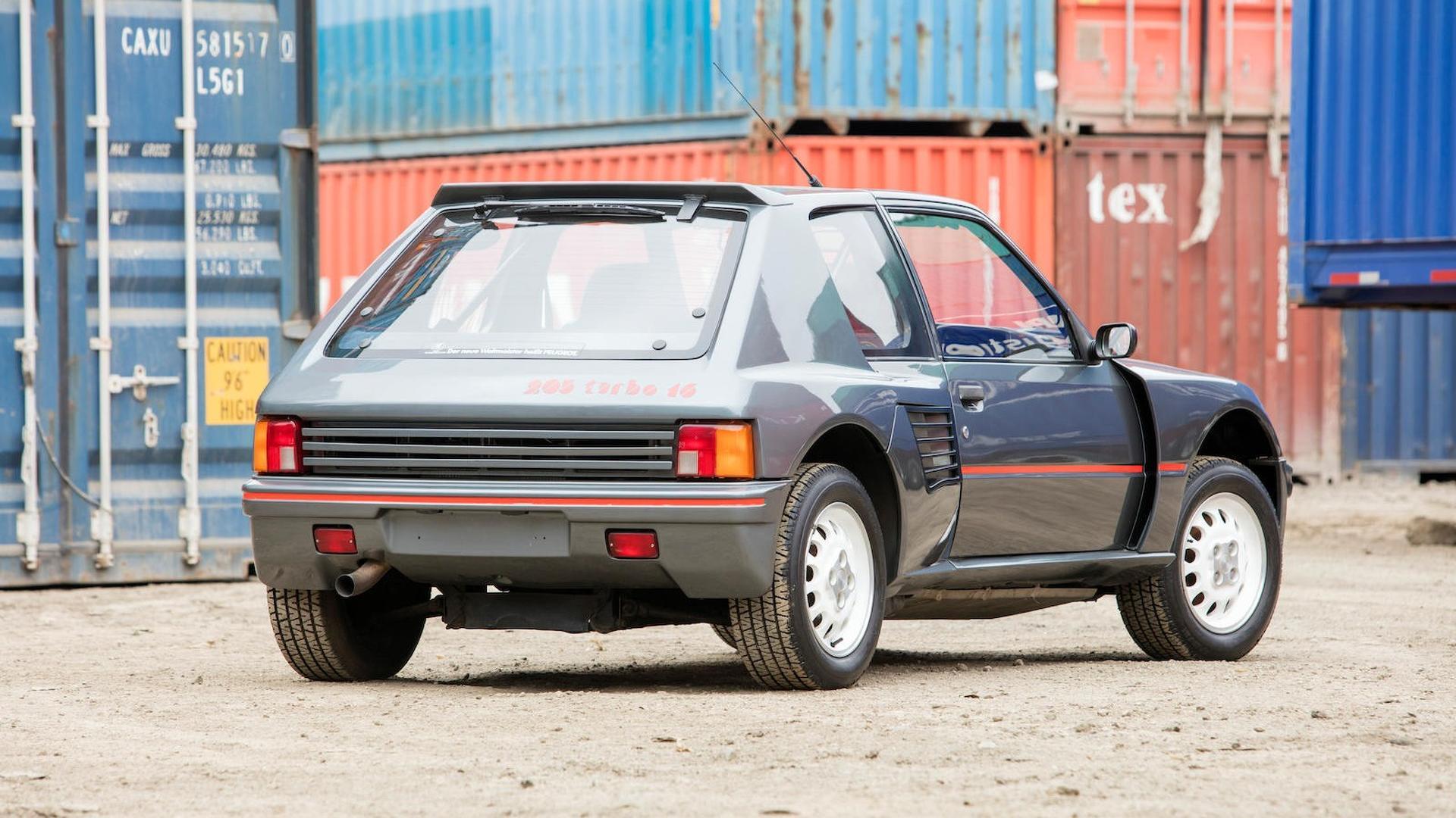 1985_Peugeot_205_Turbo_16_12