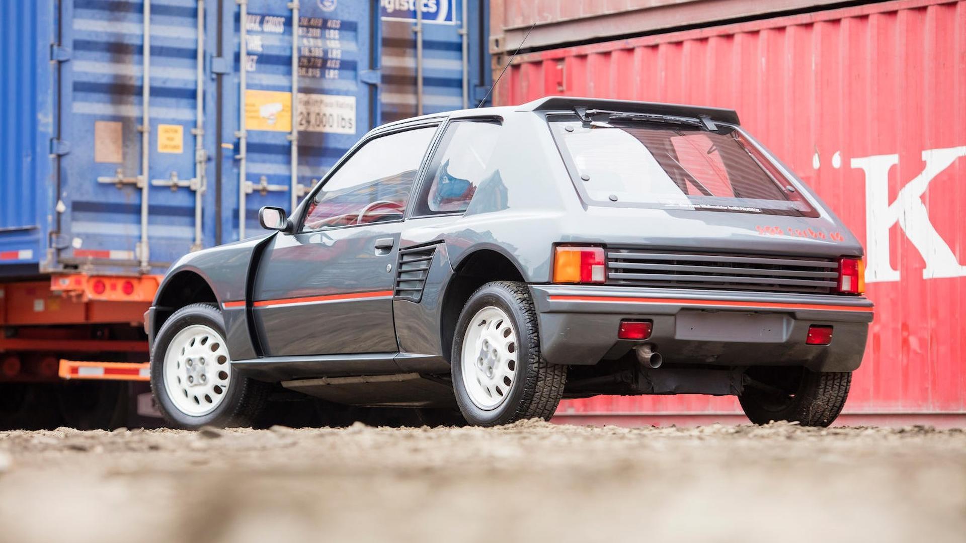 1985_Peugeot_205_Turbo_16_13