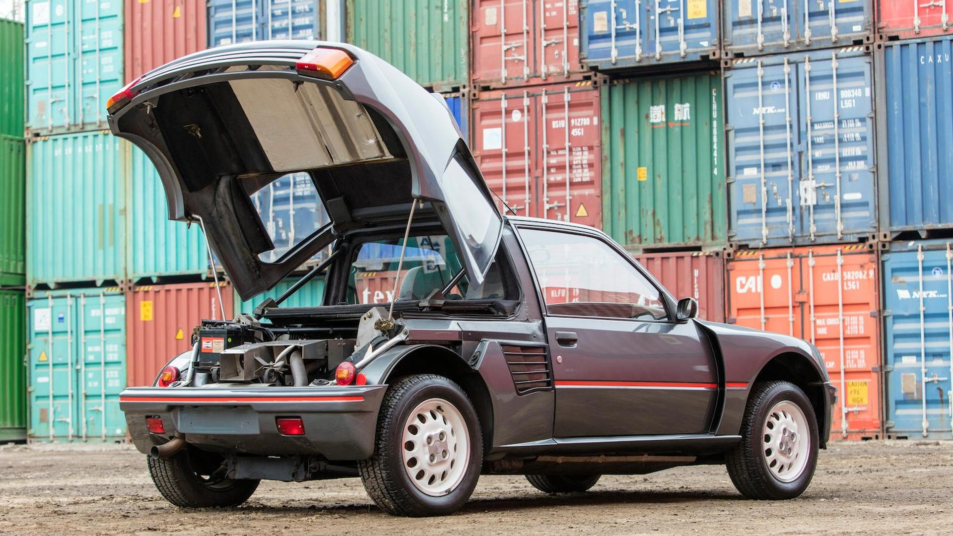1985_Peugeot_205_Turbo_16_14