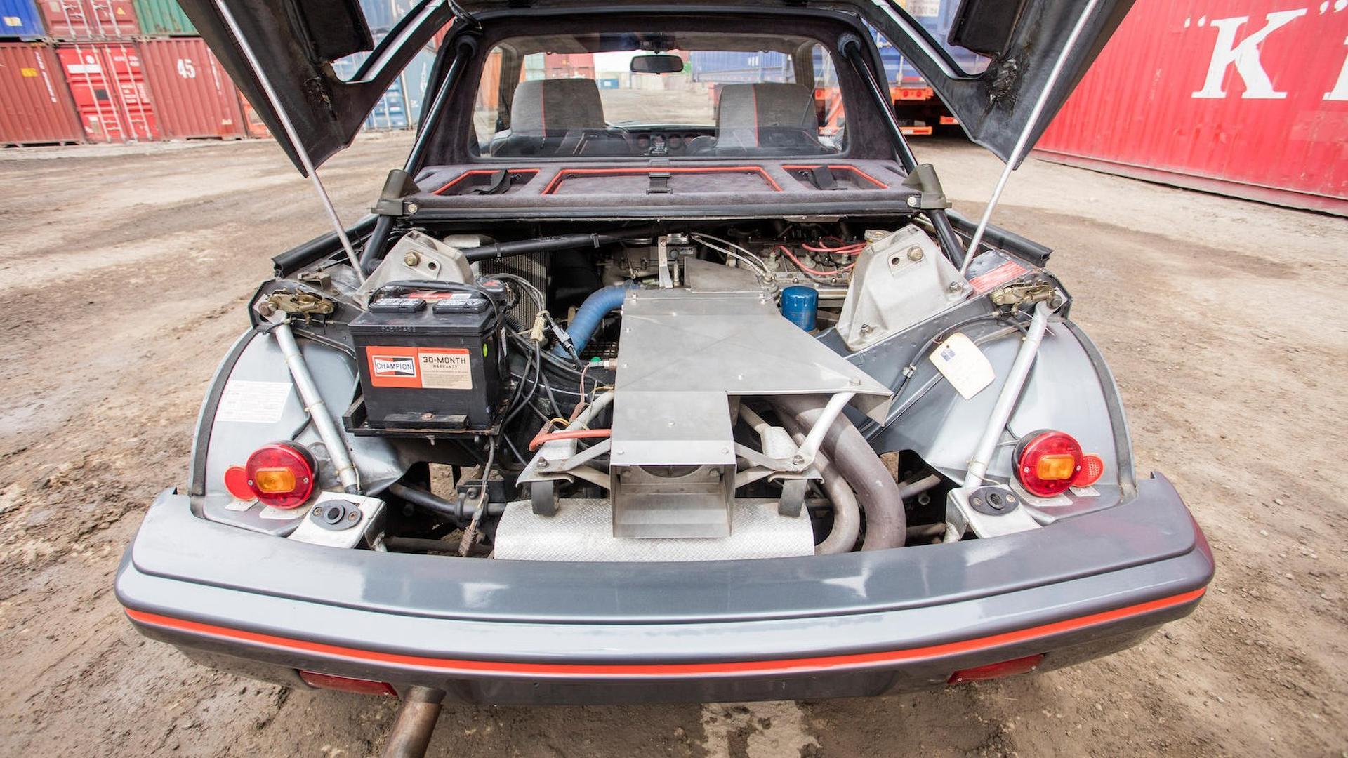 1985_Peugeot_205_Turbo_16_26