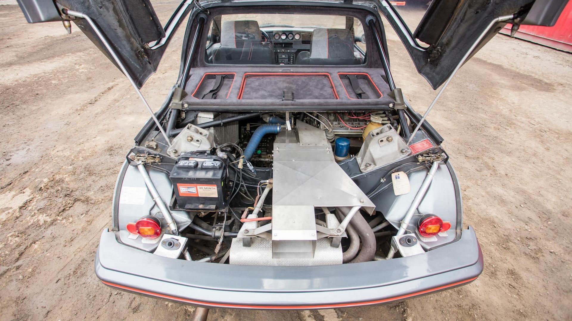 1985_Peugeot_205_Turbo_16_27