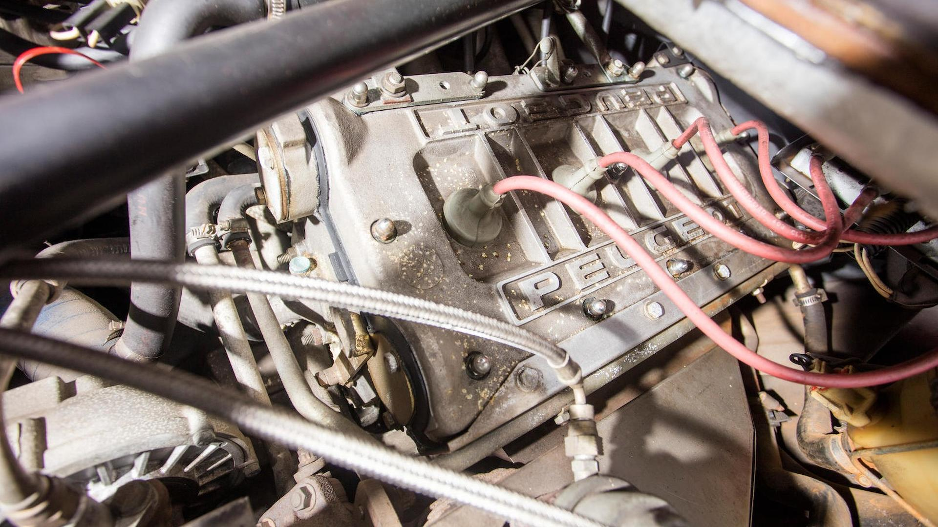 1985_Peugeot_205_Turbo_16_29