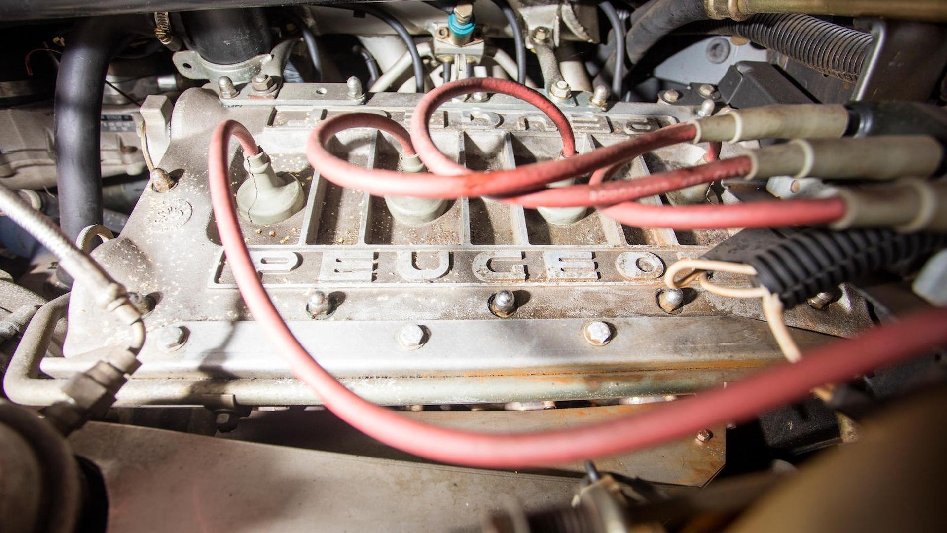 1985_Peugeot_205_Turbo_16_31